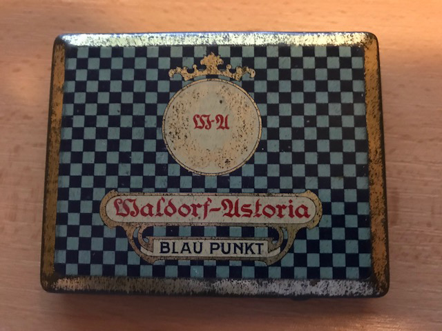 Waldorf Astoria zigarettenfabrik Blau Punkt