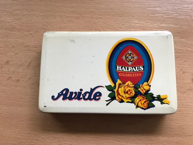 Avide Halpaus Cigaretten