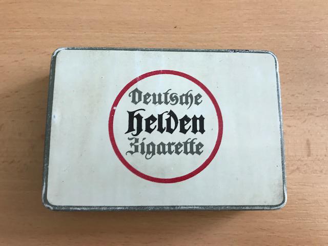 Compagnie Laferme Deutsche Helden-Zigarette